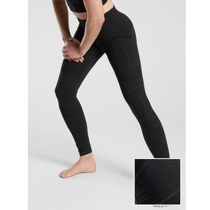 NWOT Athleta Inclination Moto Tight in Powervita
